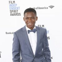 Abraham Attah en la alfombra roja de los Independent Spirit Awards 2016