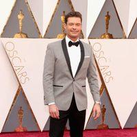 Ryan Seacrest en la alfombra roja de los Oscar 2016