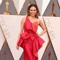 Keltie Knight en la alfombra roja de los Oscar 2016