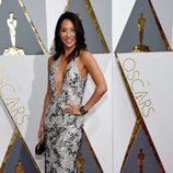 Diane Mizota en la alfombra roja de los Oscar 2016