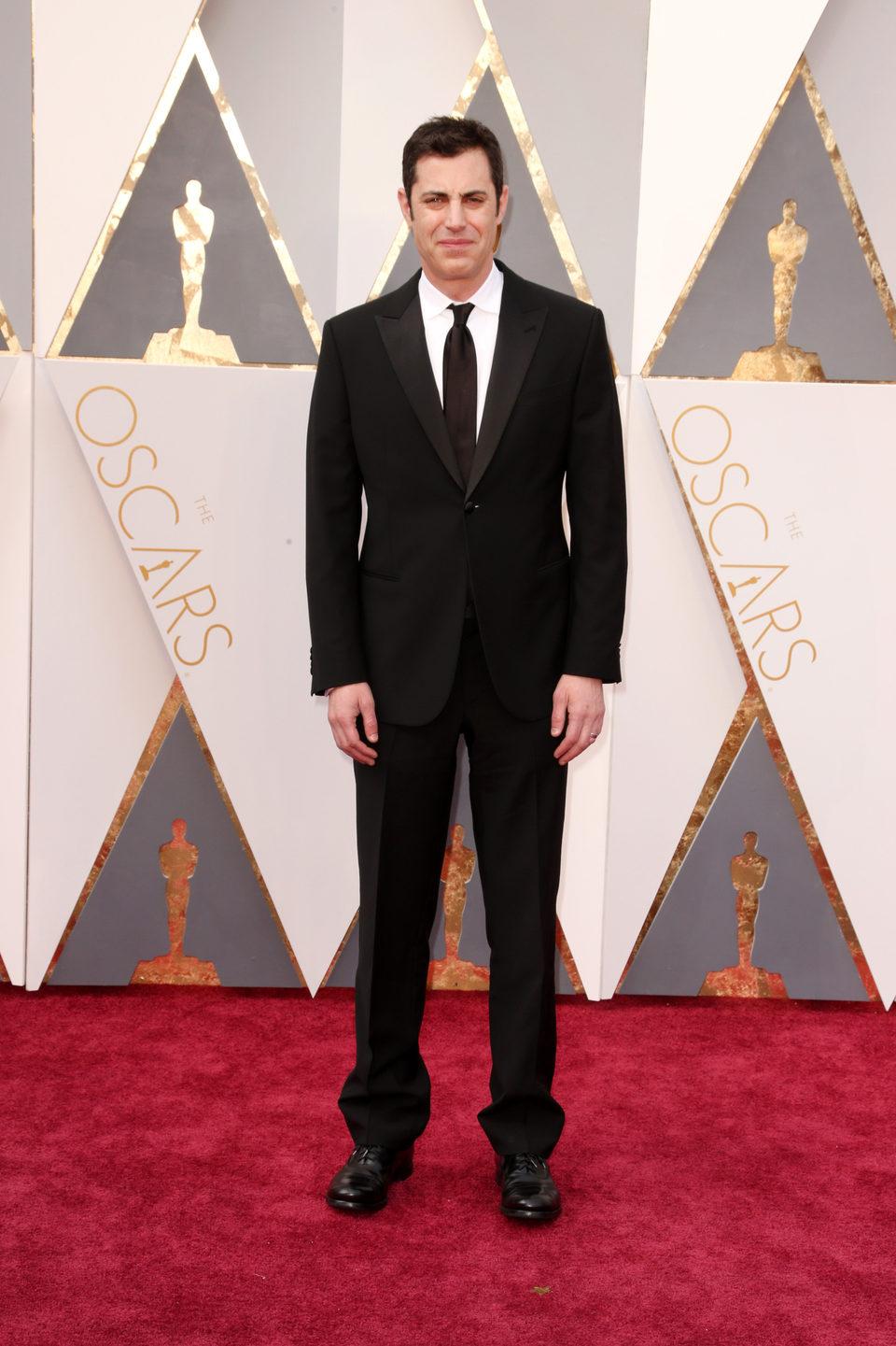 Josh Singer en la alfombra roja de los Oscar 2016