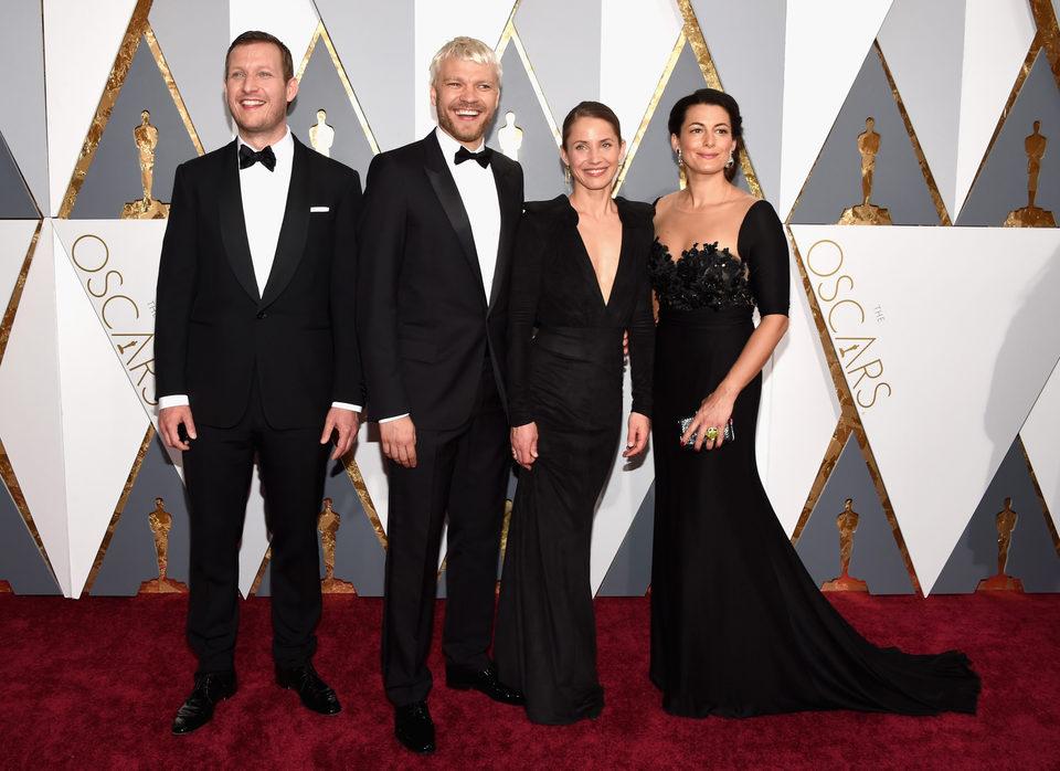 Tobias Lindholm, Pilou Asbaek, Tuva Novotny y Caroline Blanco en la alfombra roja de los Oscar 2016