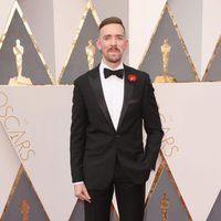 Henry Hughes en la alfombra roja de los Oscar 2016