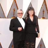George Miller y Margaret Sixel en la alfombra roja de los Oscar 2016