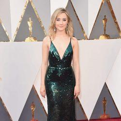 Saoirse Ronan en la alfombra roja de los Oscar 2016