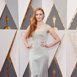 Sophie Turner en la alfombra roja de los Oscar 2016