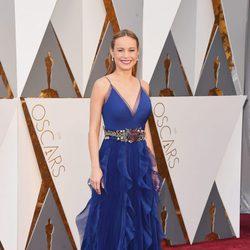 Brie Larson en la alfombra roja de los Oscar 2016