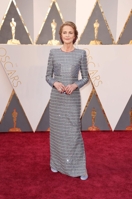 Charlotte Rampling en la alfombra roja de los Oscar 2016