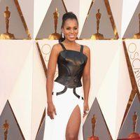 Kerry Washington en la alfombra roja de los Oscar 2016