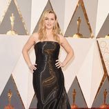 Kate Winslet en la alfombra roja de los Oscar 2016