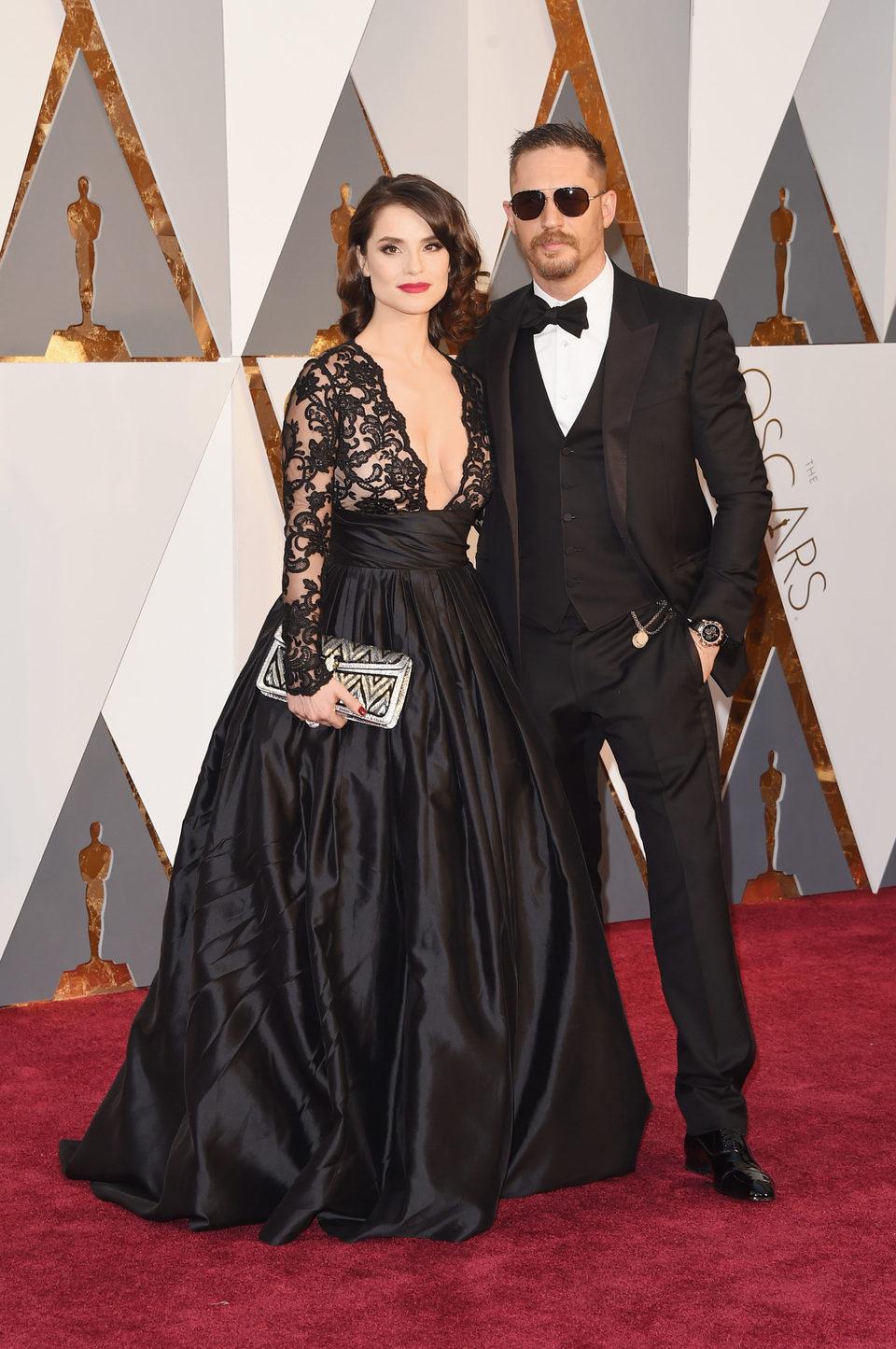 Tom Hardy y Charlotte Riley en la alfombra roja de los Oscar 2016