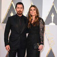 Christian Bale en la alfombra roja de los Oscar 2016