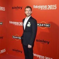 Álvaro Cervantes en la alfombra roja de los Fotogramas de Plata 2015