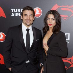 Jared Halibon y Ashley Iaconetti en la premiere de 'Batman v Superman' en Nueva York