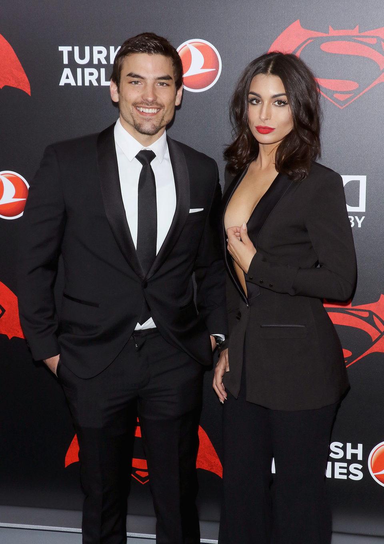 Jared Halibon y Ashley Iaconetti en la premiere de 'Batman v Superman' en Nueva York