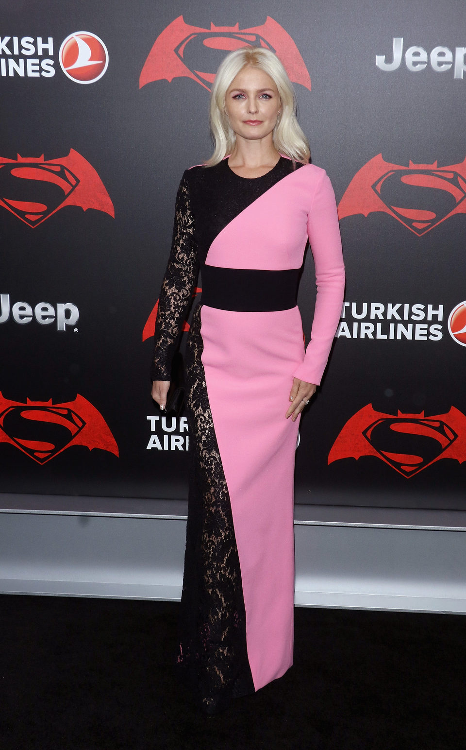 La actriz Whitney Able en la premiere de 'Batman v Superman' en Nueva York