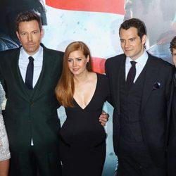 El reparto protagonista de 'Batman v Superman' posa para la premiere en Nueva York