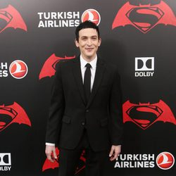 El actor Robin Lord Taylor en la premiere de 'Batman v Superman' en Nueva York