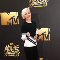 Hannah Hart en la alfombra roja de los MTV Movie Awards 2016