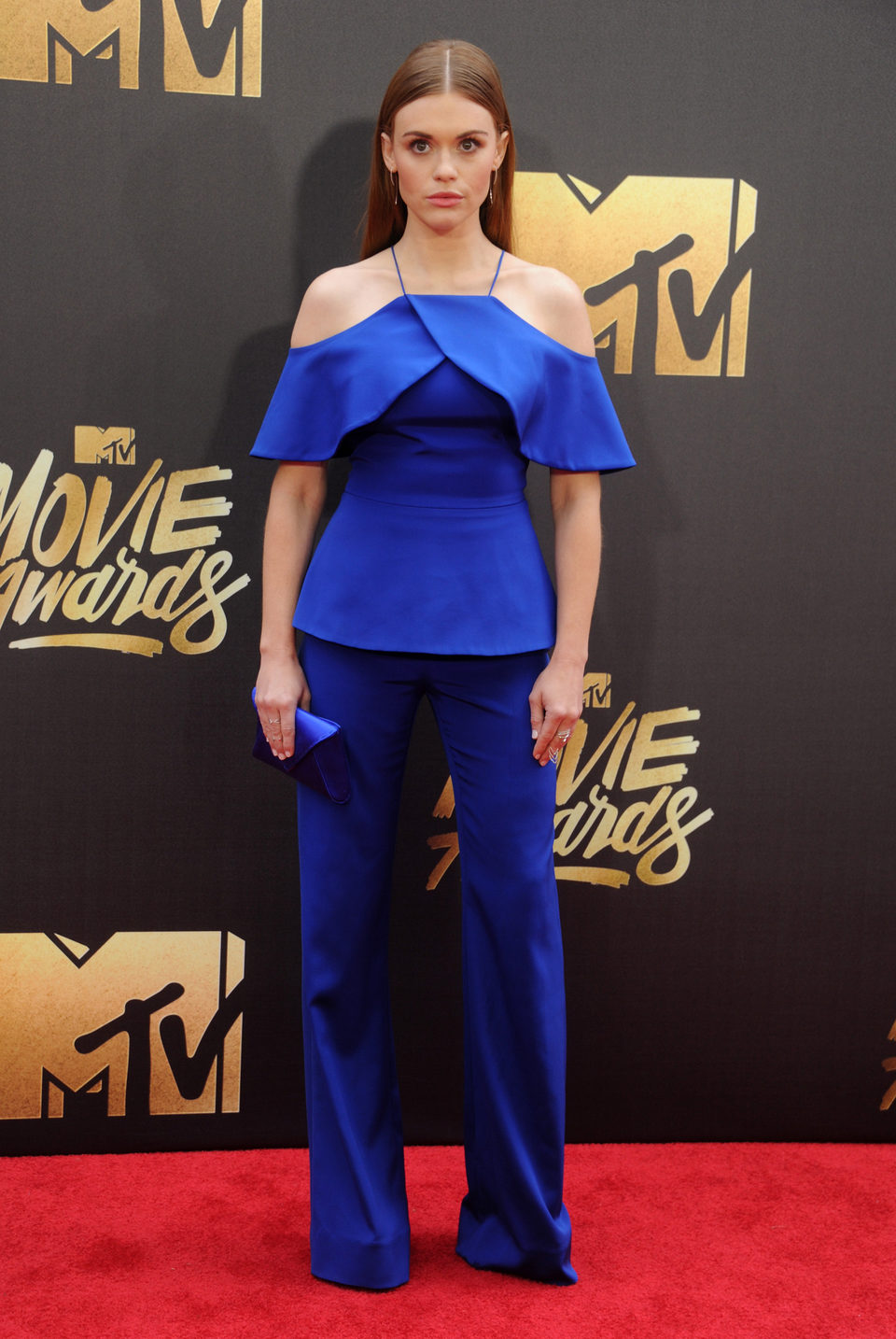 Holland Roden en la alfombra roja de los MTV Movie Awards 2016