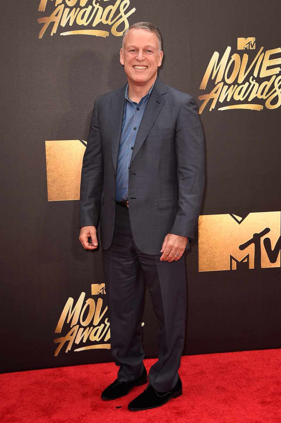 Larry Shuman en la alfombra roja de los MTV Movie Awards 2016