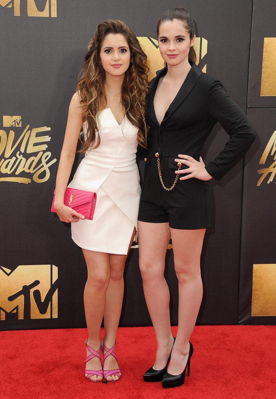 Laura y Vanessa Marano en la alfombra roja de los MTV Movie Awards 2016