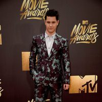 Michael Willett en la alfombra roja de los MTV Movie Awards 2016