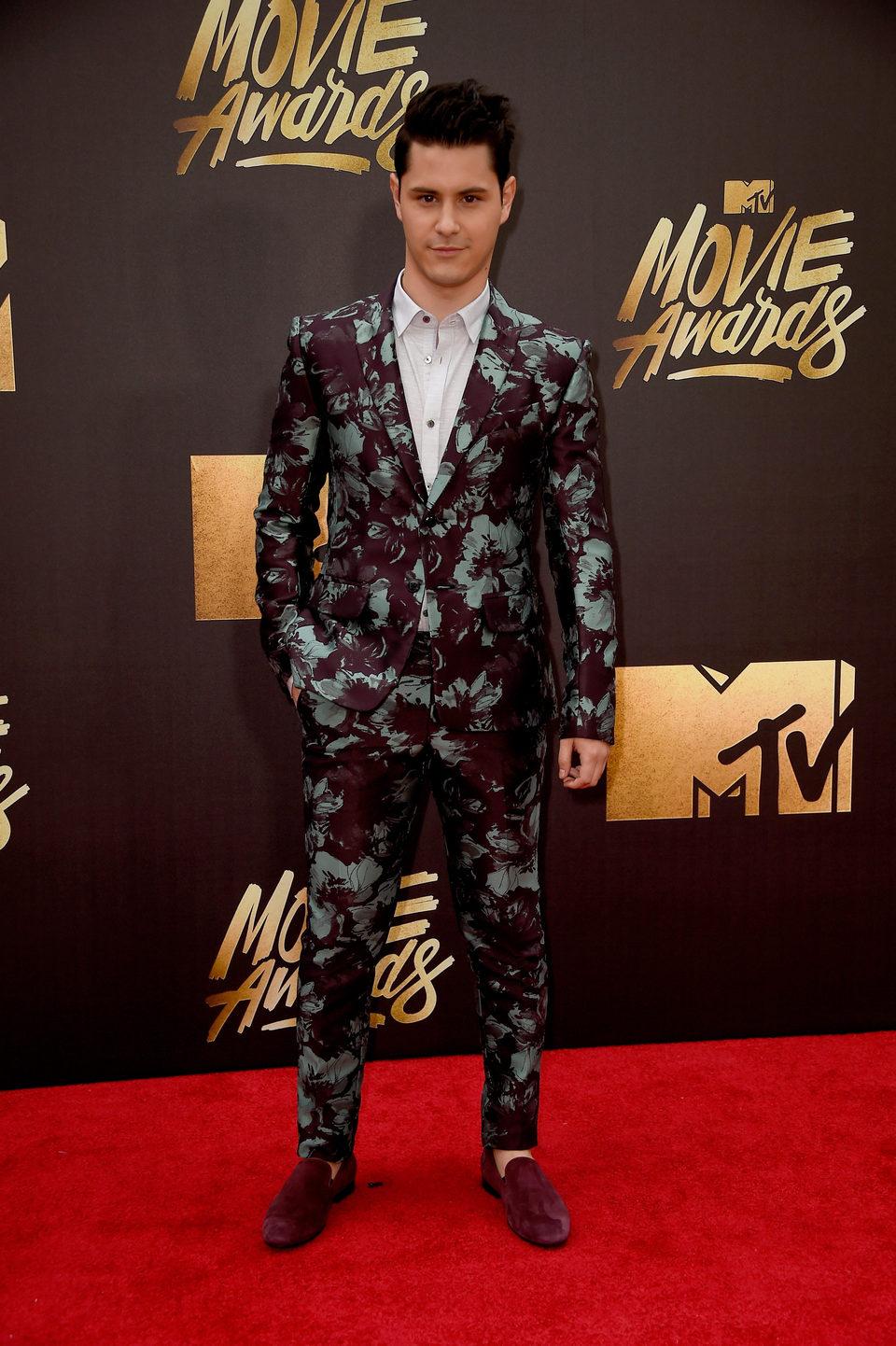 Michael Willett en la alfombra roja de los MTV Movie Awards 2016