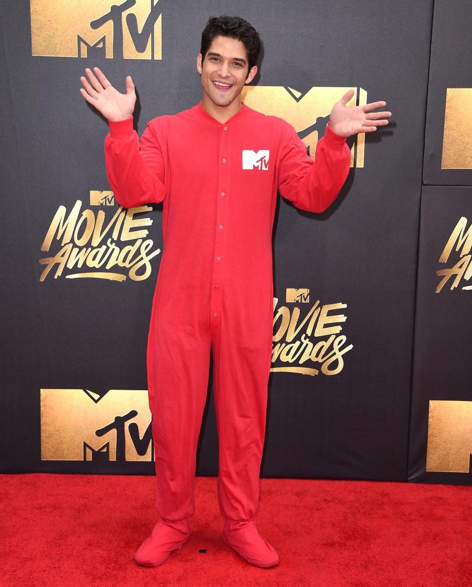 Tyler Posey en la alfombra roja de los MTV Movie Awards 2016