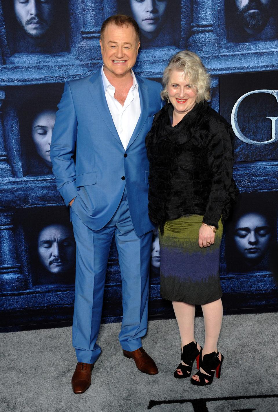 Owen Teale acompañado en la premiere de la sexta temporada de 'Juego de Tronos'