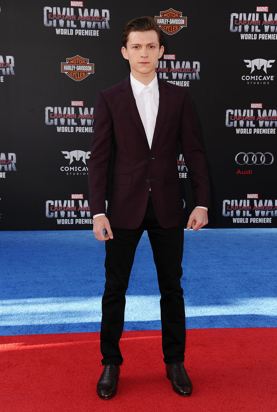 ¿Cuánto mide Tom Holland? - Altura - Real height 69084_tom-holland-premiere-mundial-capitan-america-civil-war
