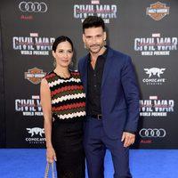 Frank Grillo y Wendy Moniz en la premiere mundial de 'Capitán América: Civil War'