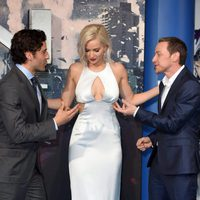 Oscar Isaac, Jennifer Lawrence y James McAvoy en la premiere en Londres de 'X-Men: Apocalipsis'