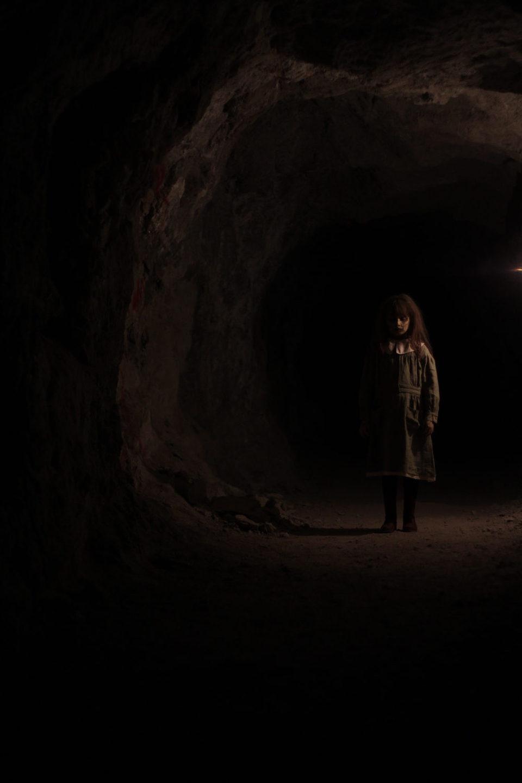 La niña de la mina, fotograma 1 de 8