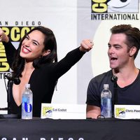 Gal Gadot and Chris Pine at 2016 Comic-Con
