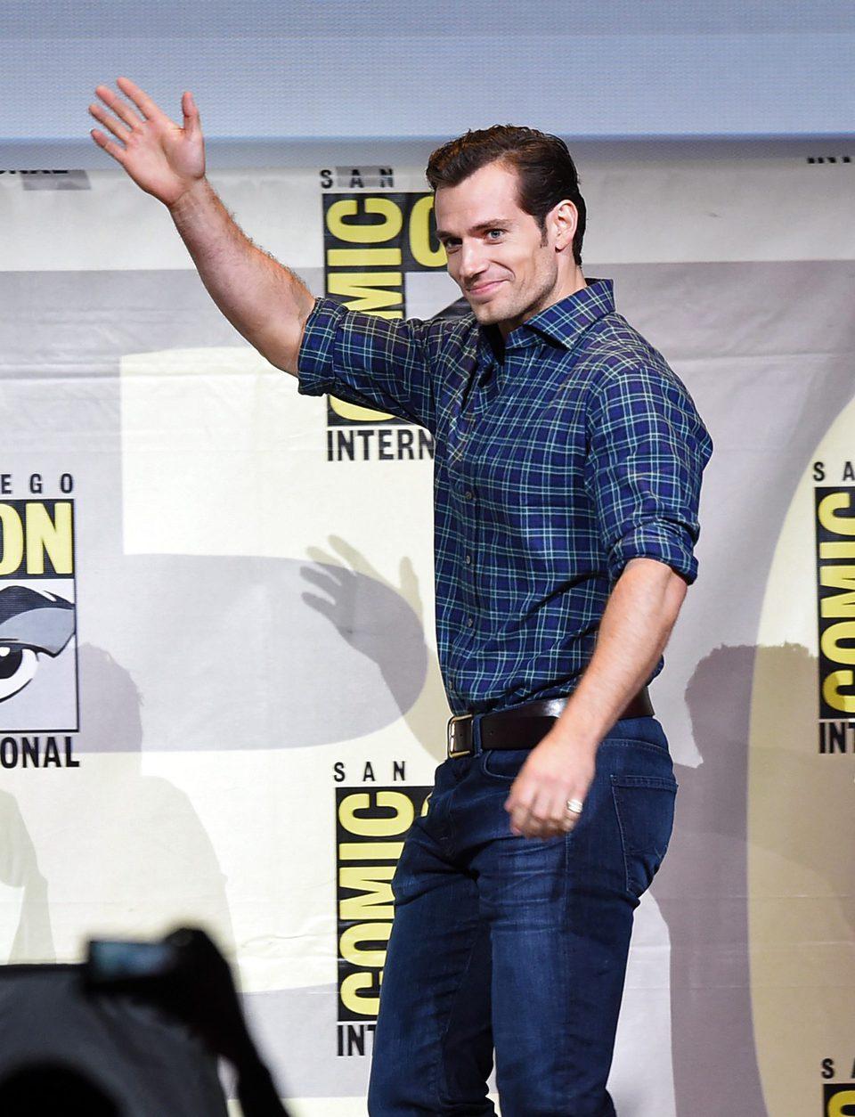 Henry Cavill llegando a la Comic-Con