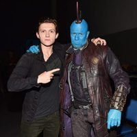 Tom Holland y el disfraz de Michael Rooker