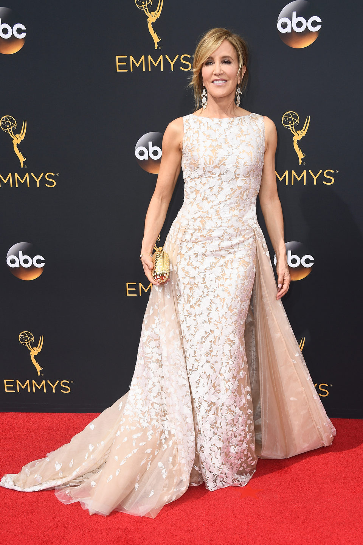 Felicity Huffman en la alfombra roja de los Emmy 2016