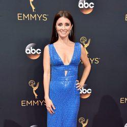 Shiri Appleby en la alfombra roja de los Emmy 2016