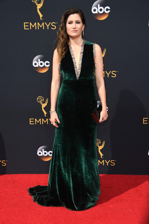 Kathryn Hahn en la alfombra roja de los Emmy 2016