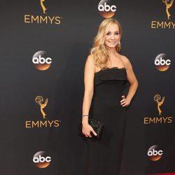 Joanne Frogatt en la alfombra roja de los Emmy 2016