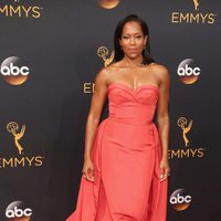 Regina King at the Emmys 2016 red carpet