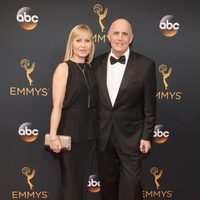 Jeffrey Tambor and Kasia Ostlun at the Emmys 2016 red carpet