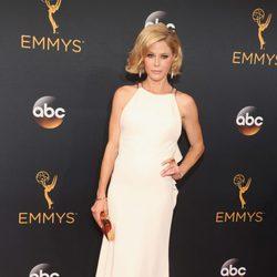 Julie Bowen en la alfombra roja de los Emmy 2016