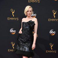 Gwendoline Christie en la alfombra roja de los Emmy 2016