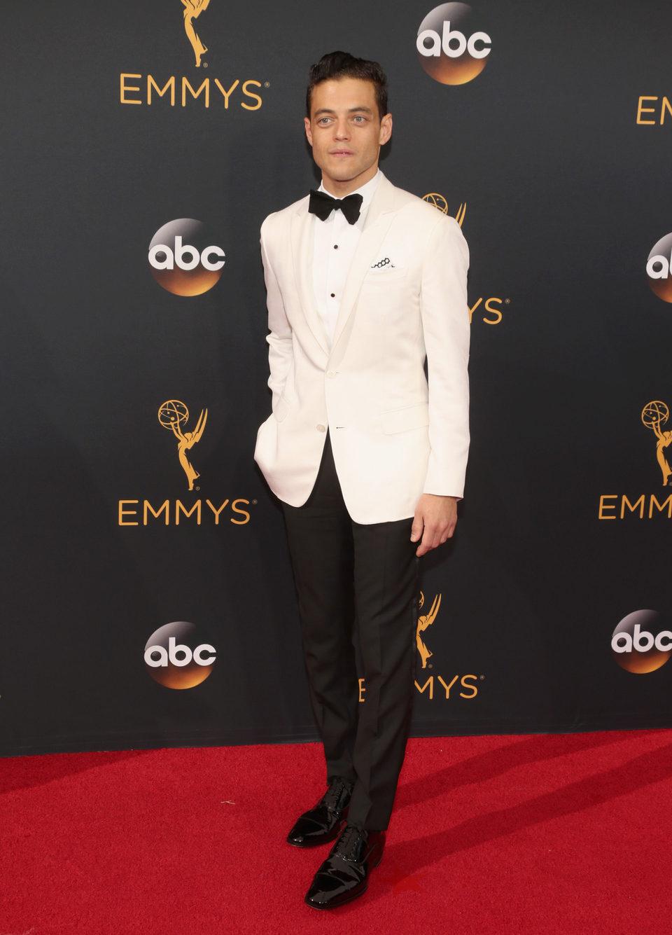 Rami Malek en la alfombra roja de los Emmy 2016