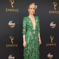 Sarah Paulson at Emmy 2016 red carpet