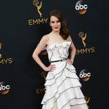 Michelle Dockery en la alfombra roja de los Emmy 2016