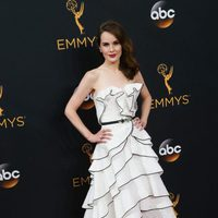 Michelle Dockery at Emmy 2016 red carpet