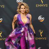 Alexandra Billings en la alfombra roja de los Emmy 2016